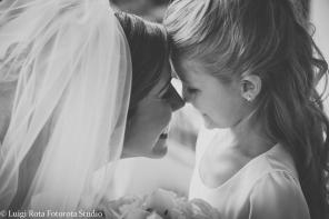 reportage-fotografo-matrimonio-emozioni-biancoenero-luigirota (15)