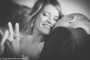 reportage-fotografo-matrimonio-emozioni-biancoenero-luigirota (20)