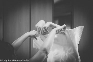 reportage-fotografo-matrimonio-emozioni-biancoenero-luigirota (33)