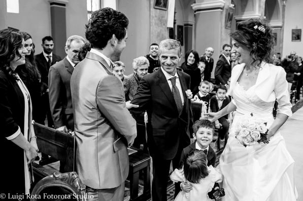 villa-acquaroli-carvico-reportage-matrimonio-fotorotastudio (16)